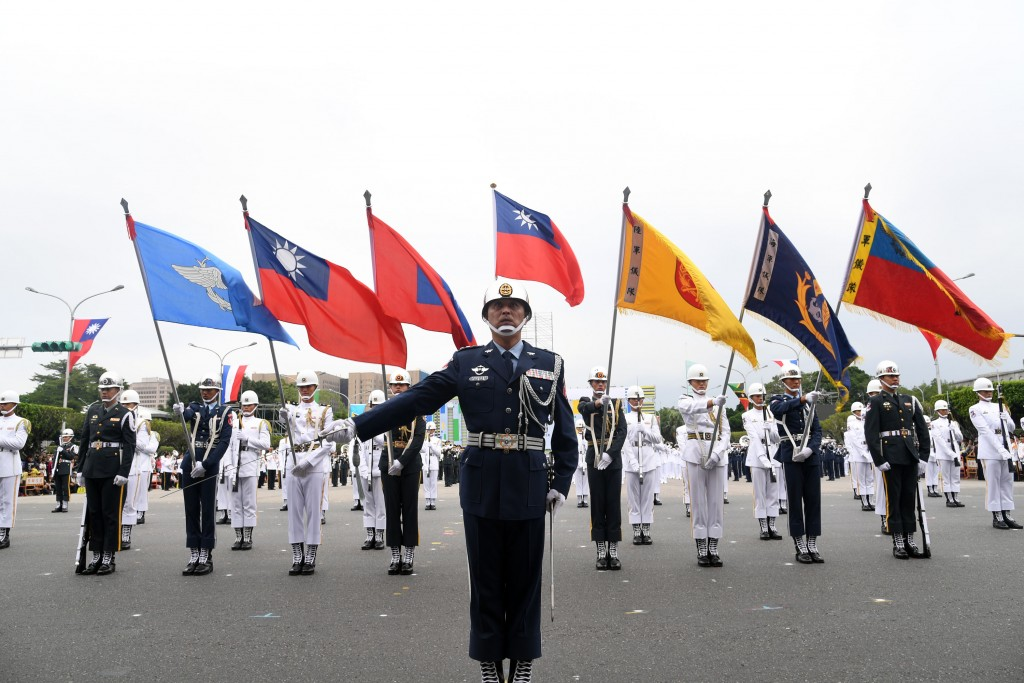 Taiwan's military honor guard rehearses on Oct. 7 for the National Day performance (Source: CNA/ File photo)