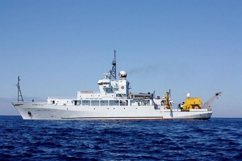 Thomas G. Thompson(T-AGOR-23) research vessel (Photo by FB Lu Li-shih)