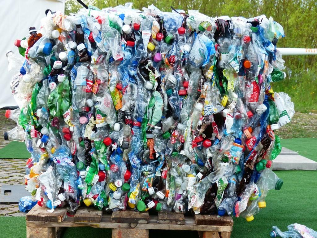 塑膠垃圾示意圖