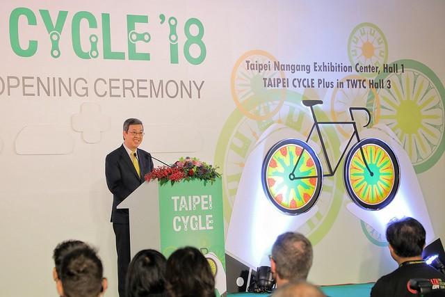 副總統陳建仁31日出席2018年臺北國際自行車展開幕典禮(照片來源:總統府提供)