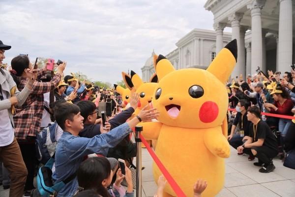 Pikachu greets fans. (Photo from Tainan tourism bureau)