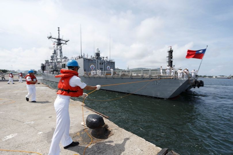 One of the Perry-class frigates arriving in Kaohsiung last year.