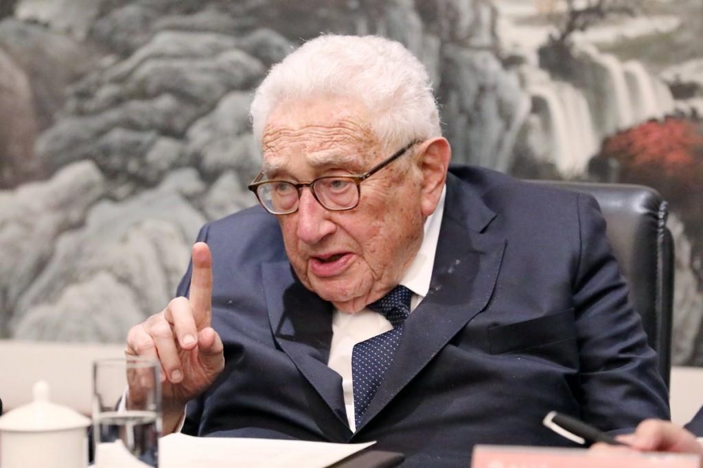 Kissinger in Beijing speaking to Peking University students, Nov. 2018 (Image from Peking Univ.)