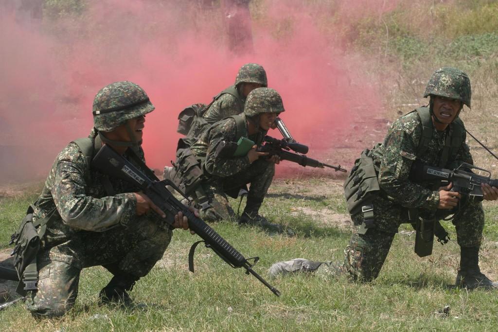 菲律賓軍方遭到恐怖組織埋伏。(維基百科)