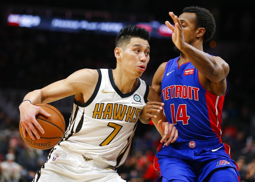 Jeremy Lin (left).