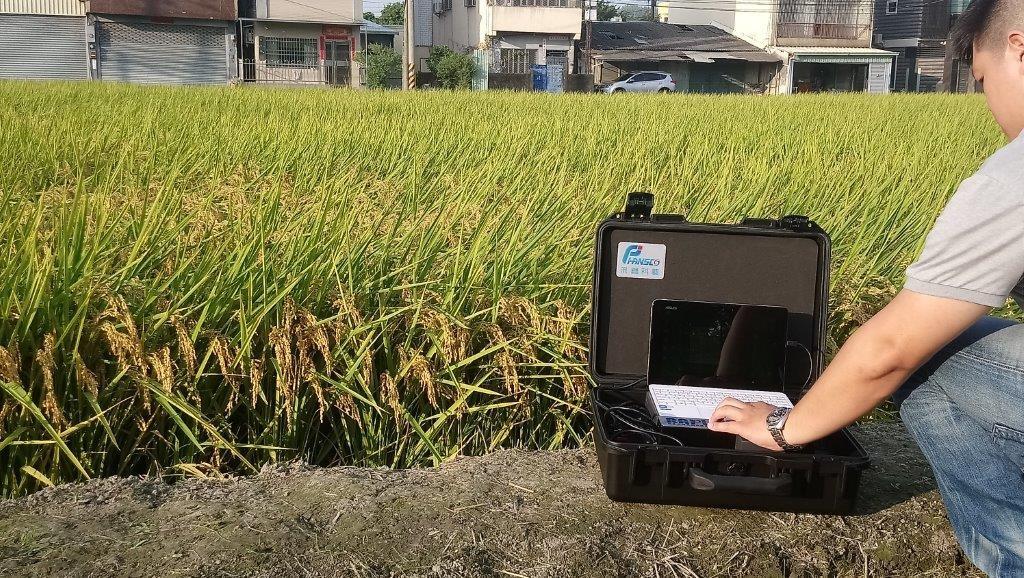 設備可於現場量測並上傳至雲端判讀殘留農藥。(照片來源:農委...