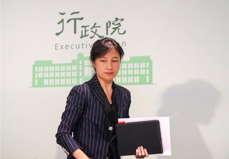 Spokeswoman Kolas Yotaka announced the approval of three resignations from the Cabinet Saturday.