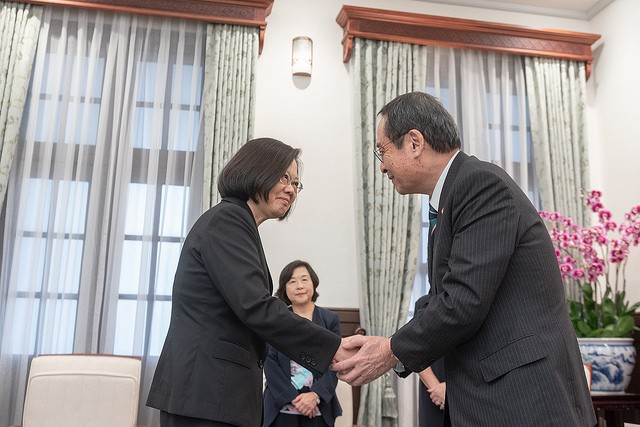 President Tsai Ing-wen meets with Takao Fujii, the chair of Japan's nationwide goodwill ambassador associations, on Dec. 5 (Source: the Presidential O