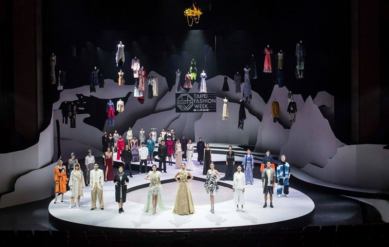 2018 Taipei Fashion Week opens with theatrical performance