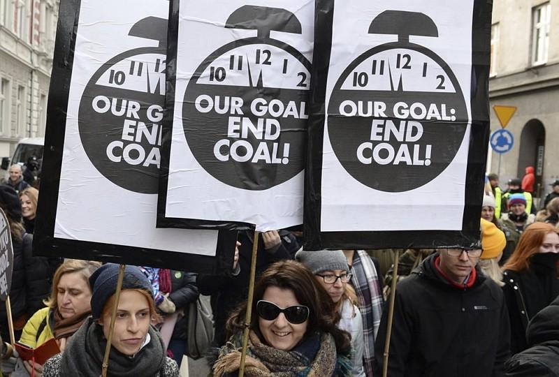 環保團體在波蘭示威(圖/美聯社)