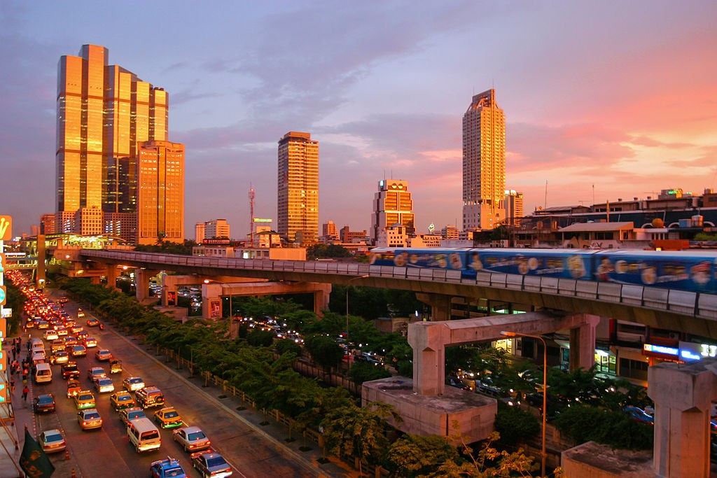 The Thai capital Bangkok (photo by User: Diliff)