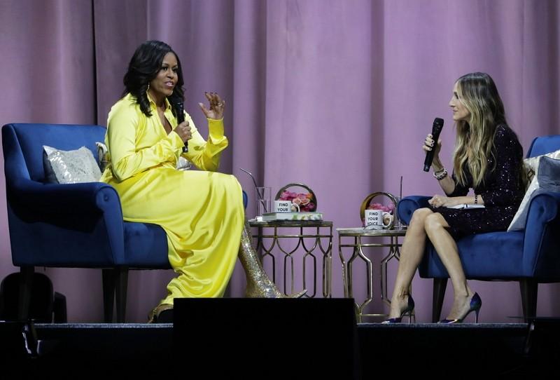 蜜雪兒歐巴馬(左)與莎拉潔西卡帕克大聊時尚(圖/美聯社)