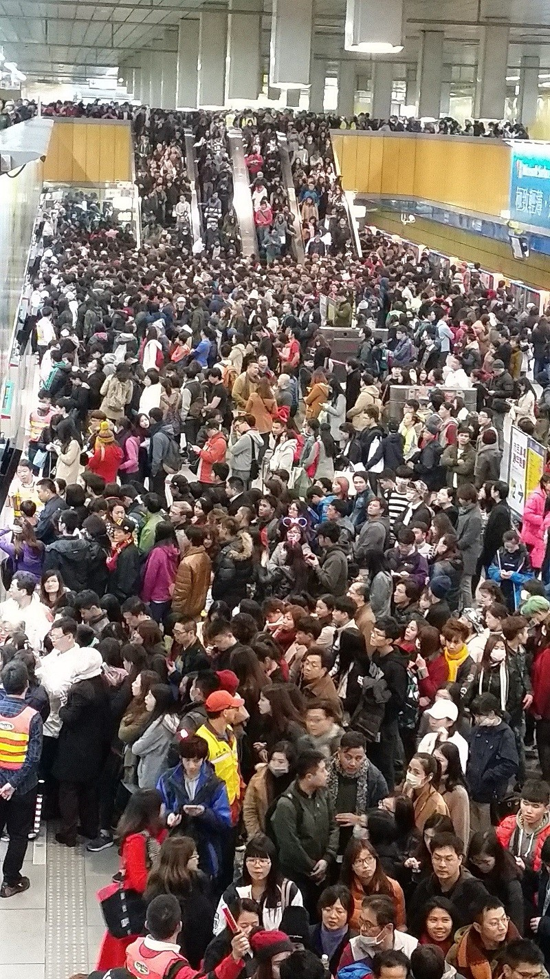 Taipei MRT to run 42 hours non-stop over New Year