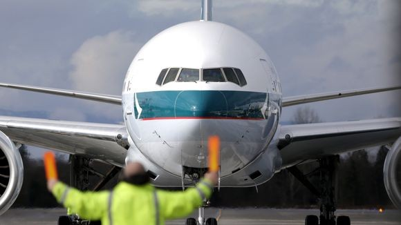 Cathay Pacific caught by ticketing price glitch.