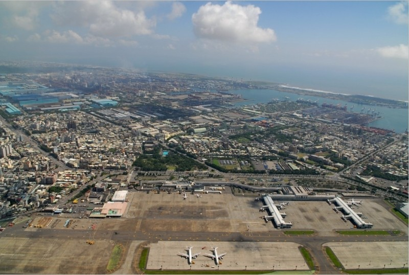 Kaohsiung International Airport viewed from above