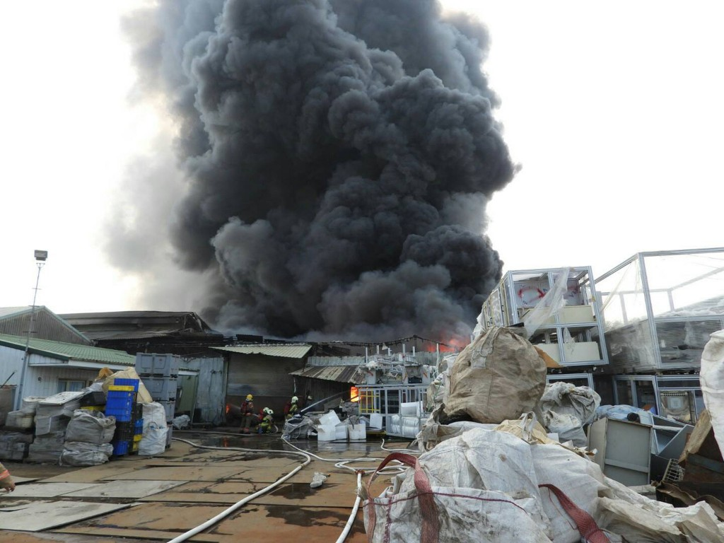 A Chinese man is believed to have been killed in a fire in Tainan.
