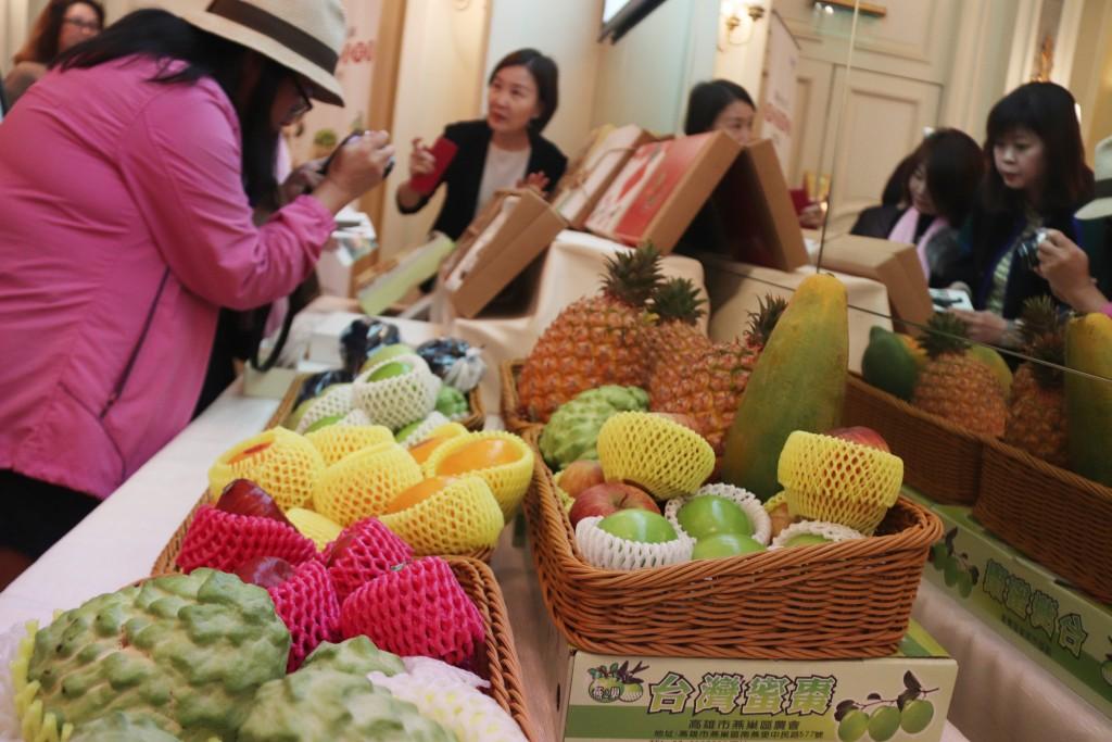 「2019春節臺灣水果嘉年華」在香港舉行,臺灣水果深受港人喜愛(照片來源:中央社提供)