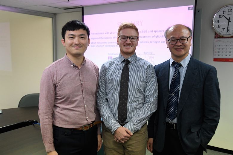 Research team leader Patrick Hsieh (right) is joined by colleagues David Lundy (center) and Lee Keng-jung (Courtesy of Academia Sinica)