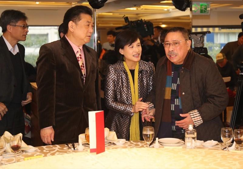 鄭惠中到文化部道歉撲空 遭民眾嗆「蔣介石是228元兇」