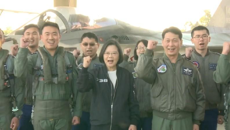 今(3)日蔡英文總統特別錄製影片向國人及全世界的華人朋友拜年。(圖/總統府youtube。)