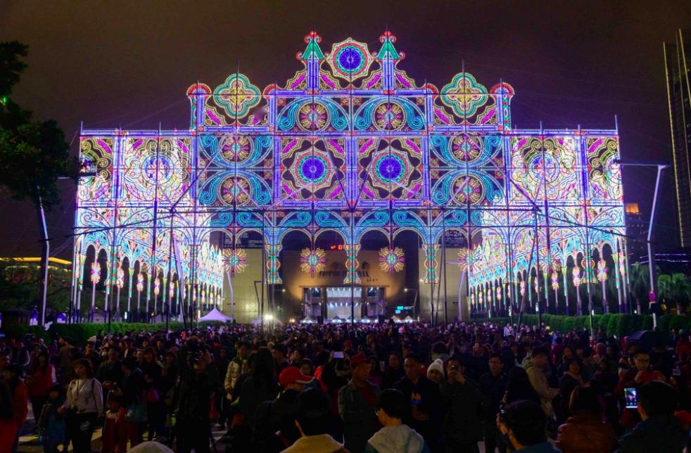 「2019台北光之饗宴」打造超狂夜景(圖/台北市商業處臉書)