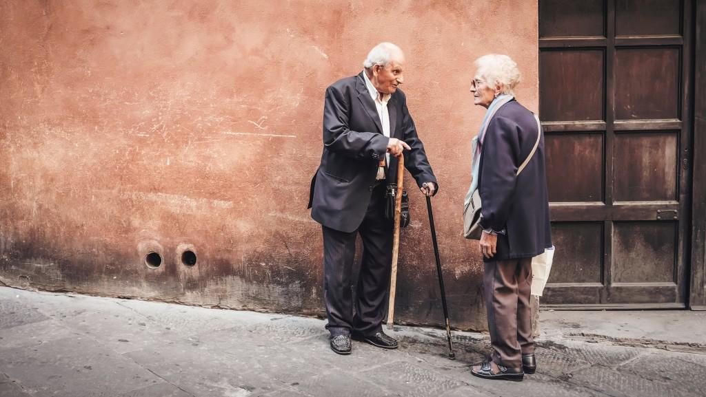 年長者示意圖(圖片來源:Unsplash)