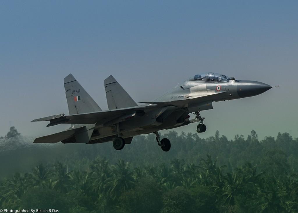 Kashmir crisis: Indian warplane crashes over disputed region