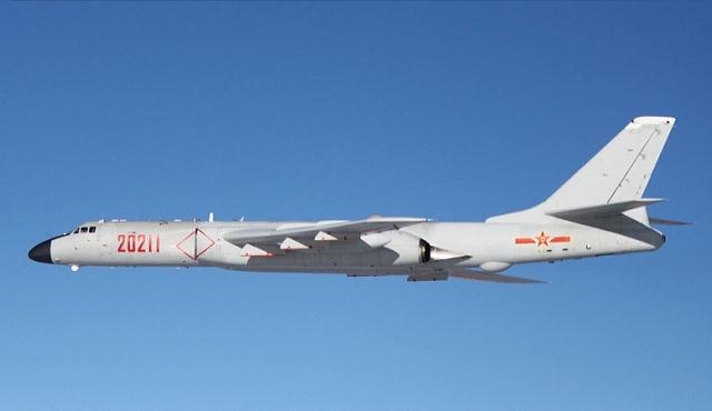 僅為示意圖,圖為中國空軍的轟-6K,是轟-6轟炸機系列的最新型號。(圖取自維基百科)