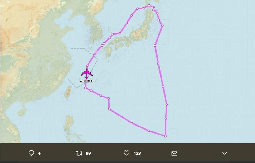 呼號TOXIN01的B-52H轟炸機在東海跟日本海執行任務 (圖/Aircraft Spots推特)