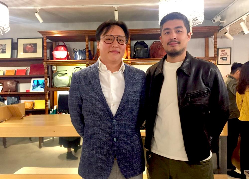 瑪雅輕奢開幕活動執行長 Jonathan(左),GROOVY STORE 創辦人 Roger(右)開心合照(圖/台灣英文新聞Lyla)
