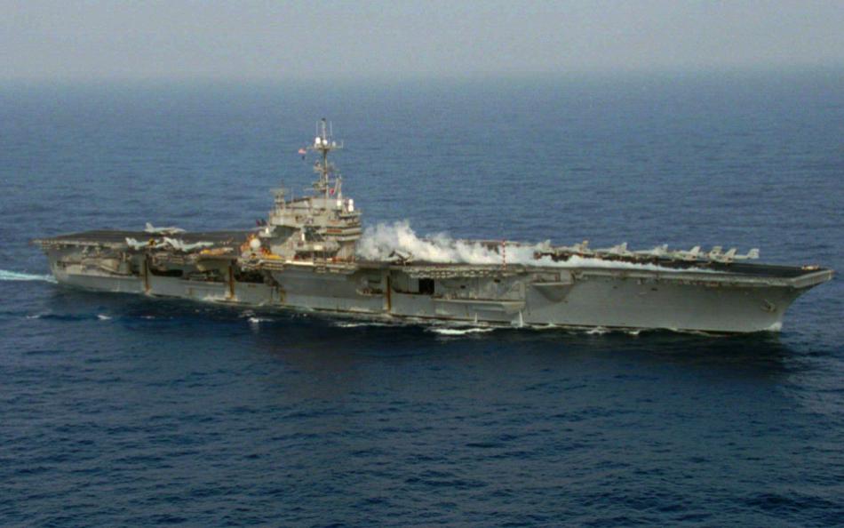 「AIT@40:歷史上的今天」貼出美航艦巡弋台海舊照(圖/AIT)