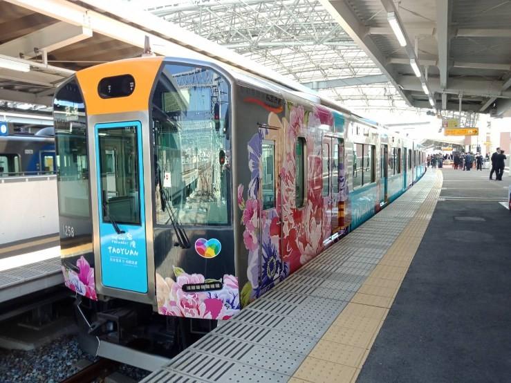 桃捷日本阪神列車(圖/桃捷公司)