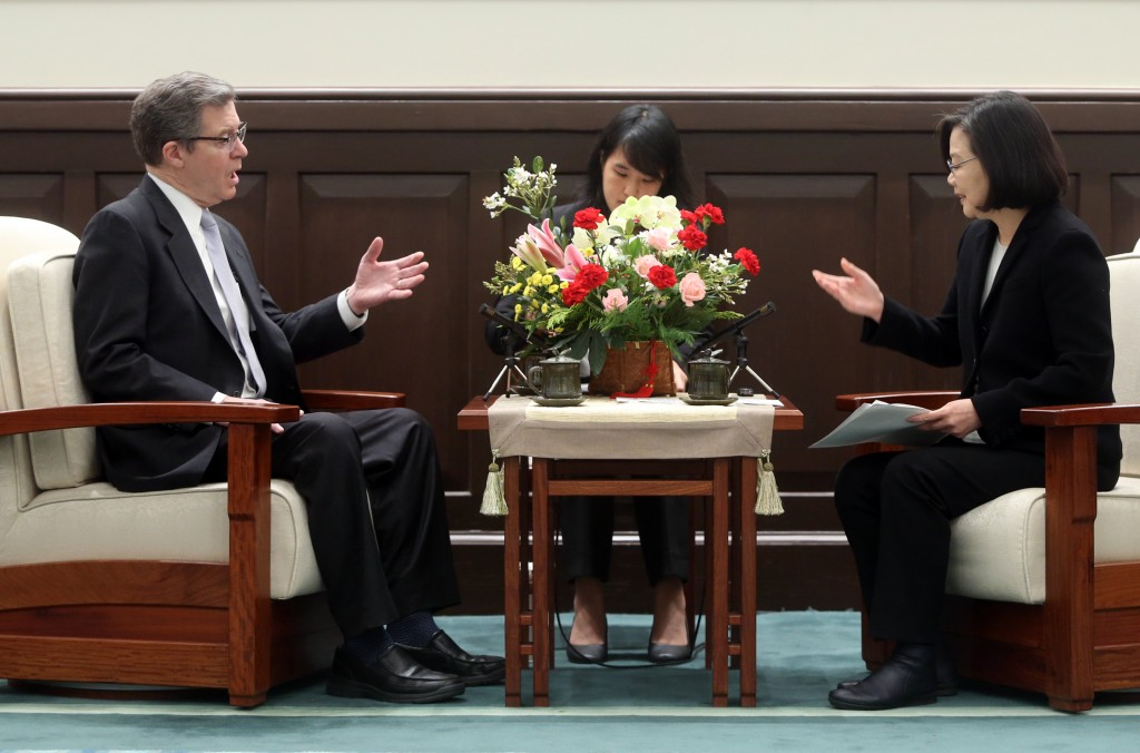 Sam Brownback with President Tsai Ing-wen