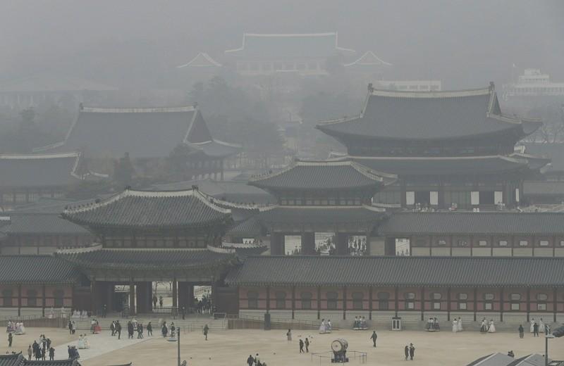 景福宮籠罩在一片霧塵中(美聯社)