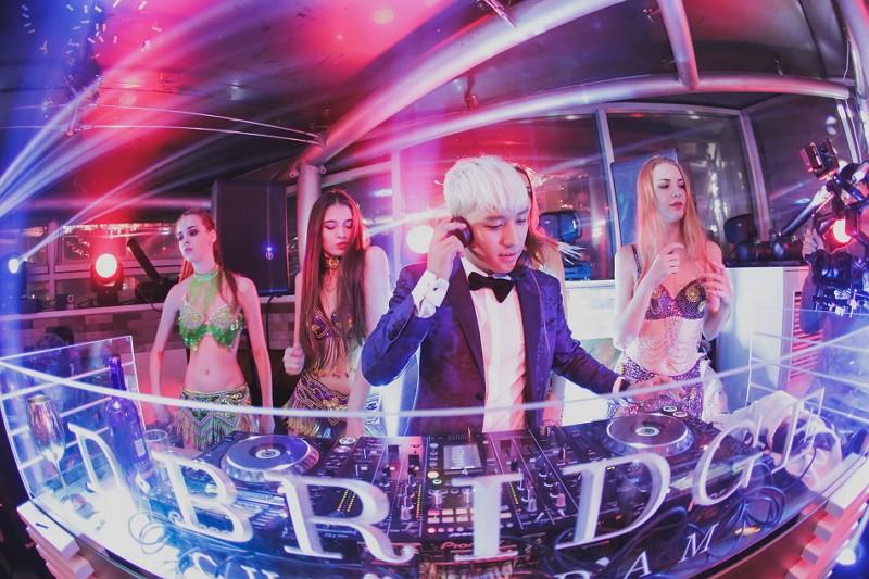 Big Bang成員勝利在夜店當DJ(圖/維基百科)