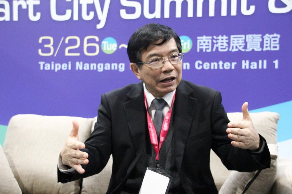 Wang Kwo-tsai (王國材), deputy minister of the Ministry of Transportation and Communications