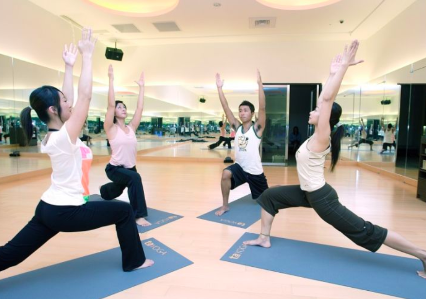 Members of a fitness club exercise at a facility in Taipei City. (Photo courtesy Taiwan Today/ Huang Chung-hsin)