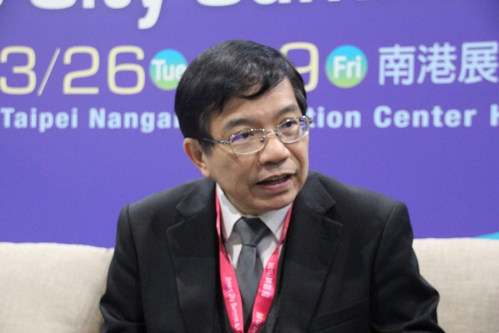 Wang Kwo-tsai (王國材), deputy minister of the Ministry of Transportation and Communications