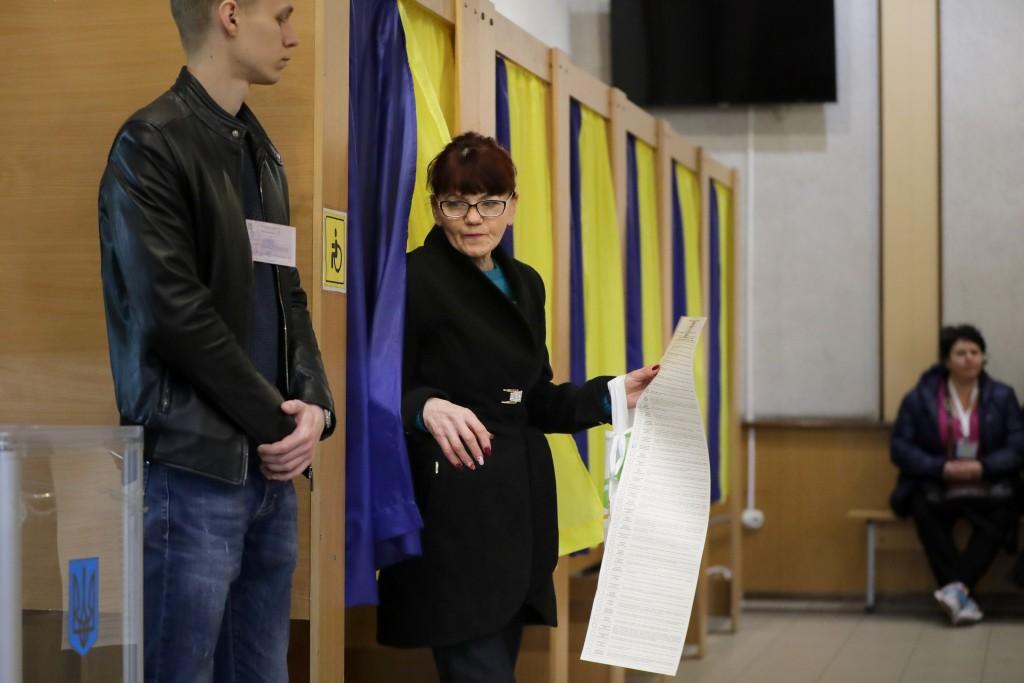 烏克蘭民眾前往投票所投票(圖片來源:美聯社)