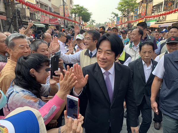 William Lai on the campaign trail in Tainan, April 7