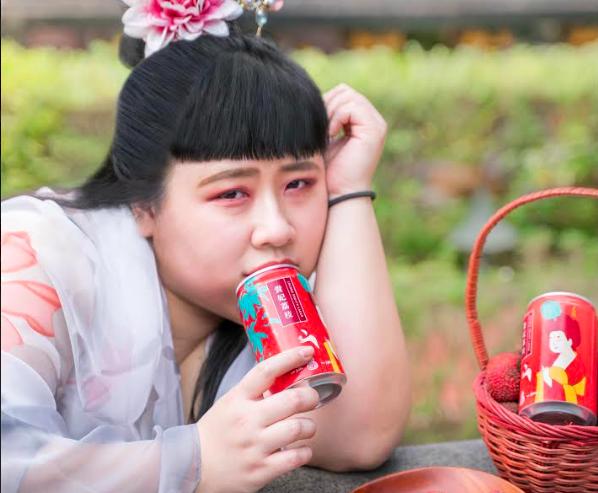 臺虎精釀推出「貴妃荔枝」,以及「孔融奉梨」兩款啤酒(圖/臺虎)