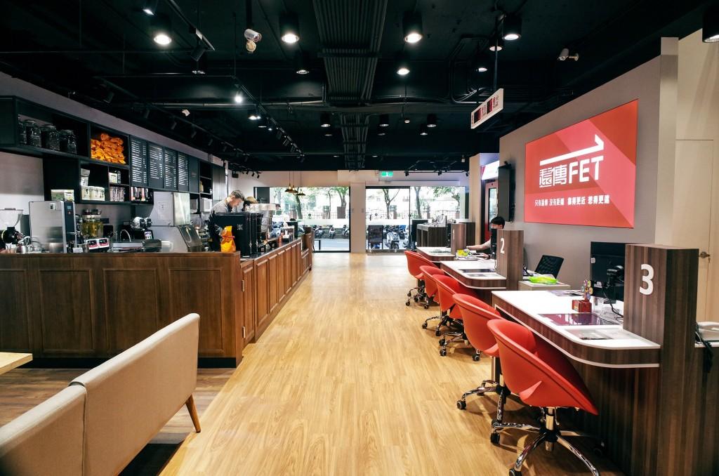 路易莎咖啡與遠傳電信合作的首座數位體驗咖啡館門市將於中壢開幕。(圖/路易莎咖啡)