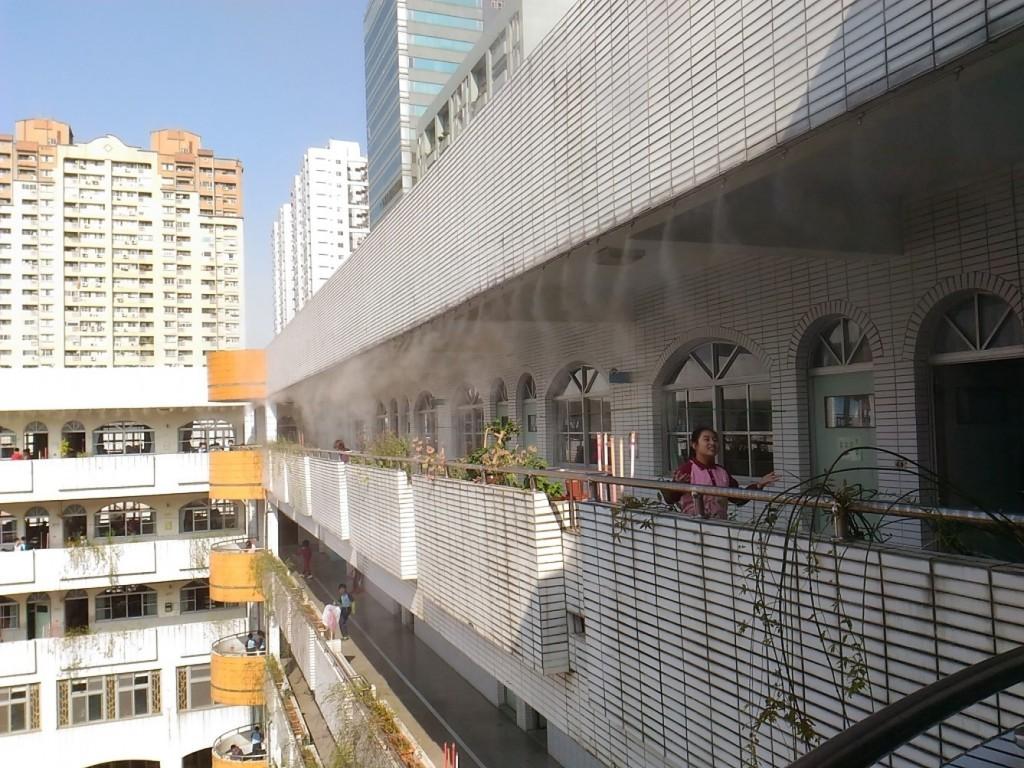 新北市教育局推動「校舍屋頂多元降溫改善方案」。(新北市政府)