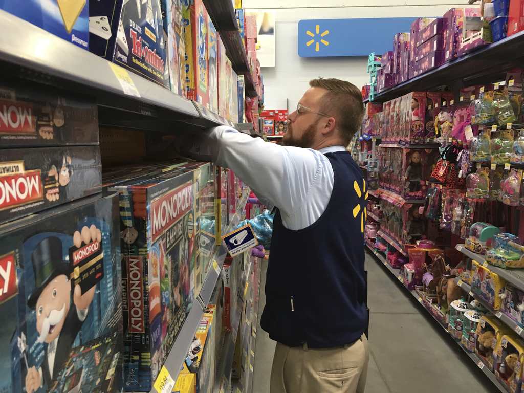 After the turkey, some hit the shops to start holiday season