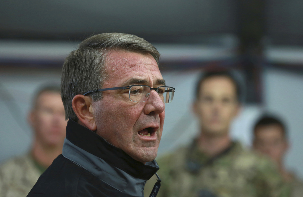 U.S. Defense Secretary Ash Carter speaks to Iraqi and U.S. soldiers at the Qayara air base, that serves as a staging point for the Mosu...