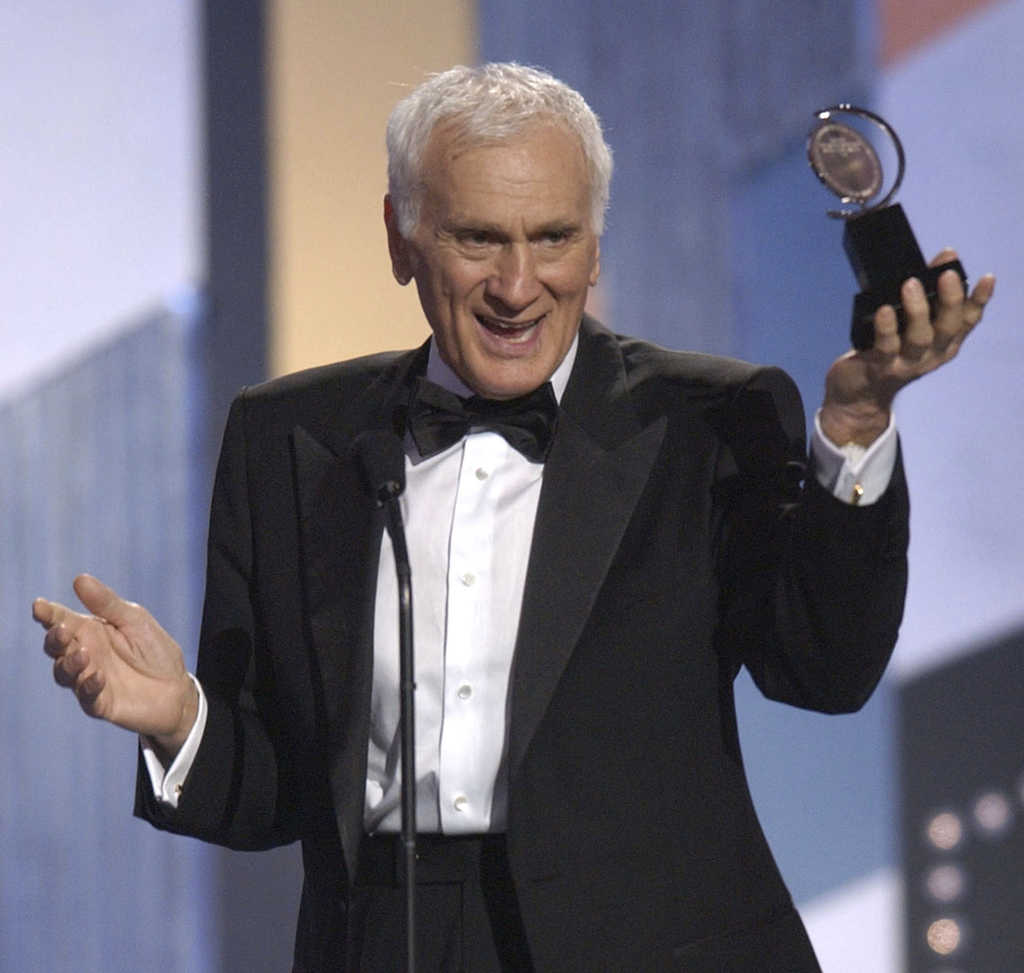 "FILE - In a June 8, 2003 file photo, Dick Latessa accepts the Tony award for Best Featured Actor in a Musical for ""Hairspray"" during th..."