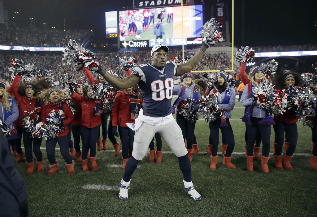 Martellus Bennett Celebrates Super Bowl Berth By Dancing