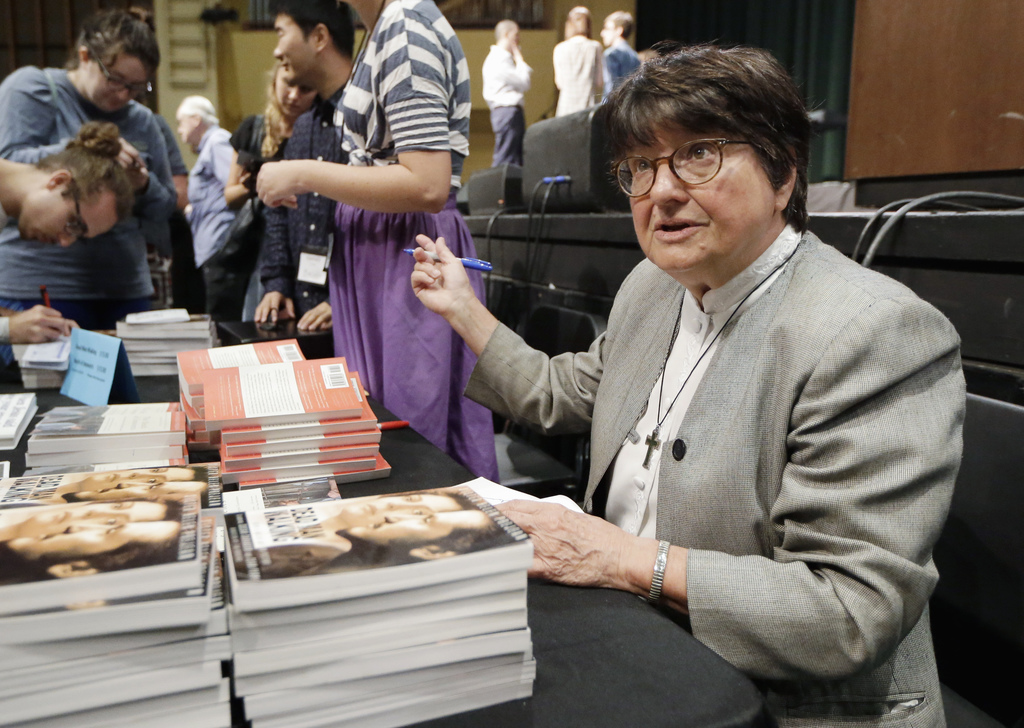 """FILE - In this Sept. 23, 2015, file photo, Sister Helen Prejean, famous for the book """"Dead Man Walking"""" about her work with death-row i..."""