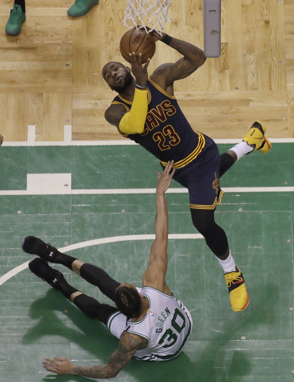 Cleveland Cavaliers forward LeBron James (23) shoots over Boston Celtics forward Gerald Green (30) during first half of Game 2 of the N...