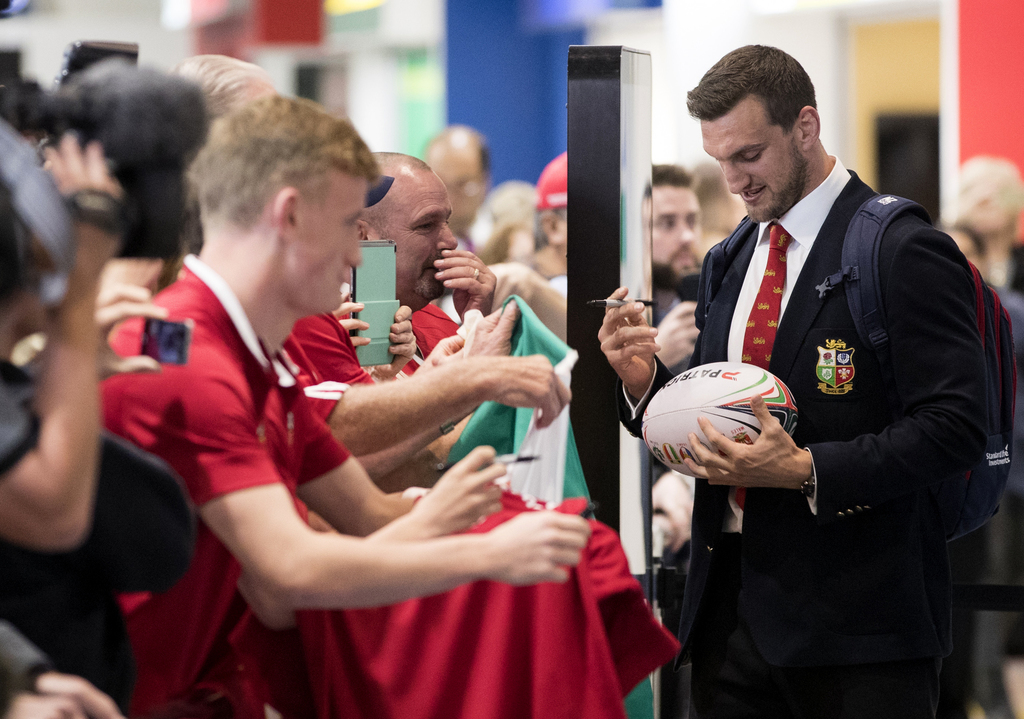 Sam Warburton to lead Lions in tour opener